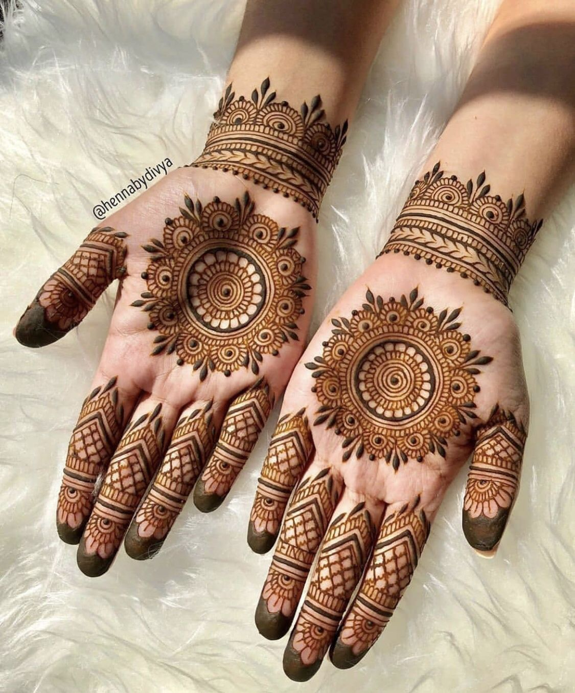 Trending Mehndi Designs For Your Occasions To Wedding
