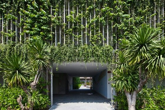 Architect Vo Trong Nghia's Babylon hotel at the Naman Retreat resort in Danang, Vietnam, marries precast-concrete-louvre facades with cascading plant-life, providing, at once, ventilation and sun protection. Photos: Hiroyuki Oki