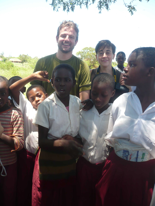 Cariiiiiiiiiiiiiiiiiniiiiiiiiiiiiiiiiii :-) http://www.orizzonteviaggi.blogspot.it/search/label/Kenya