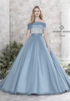 c71e3dc1f68fe お色直しで着たい♡カラードレスが可愛いすぎるドレスブランドまとめ♡にて紹介している画像