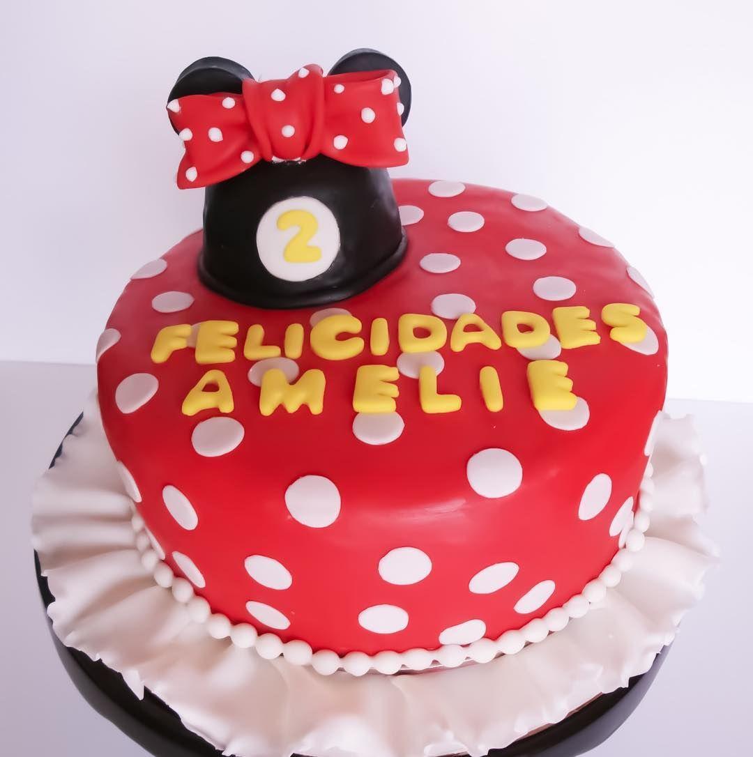 A classic minnie mouse cake cake custom cakes fondant