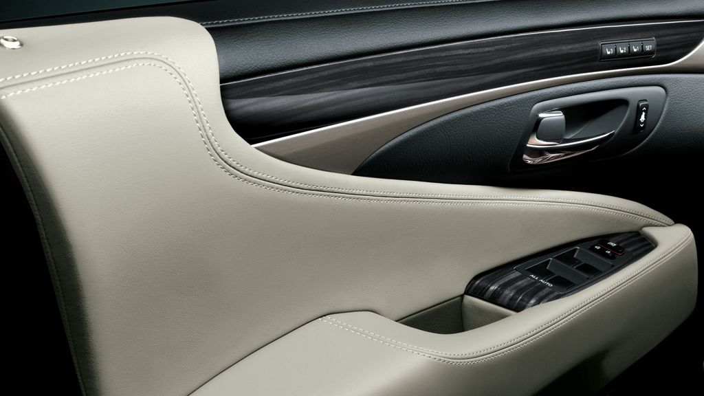 LS shown in Light Gray leather trim with Shimamoku wood