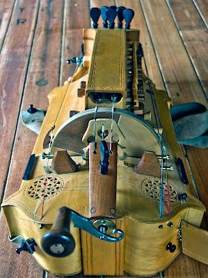 hurdy gurdy plans hurdy gurdy musical instruments homemade instruments. Black Bedroom Furniture Sets. Home Design Ideas