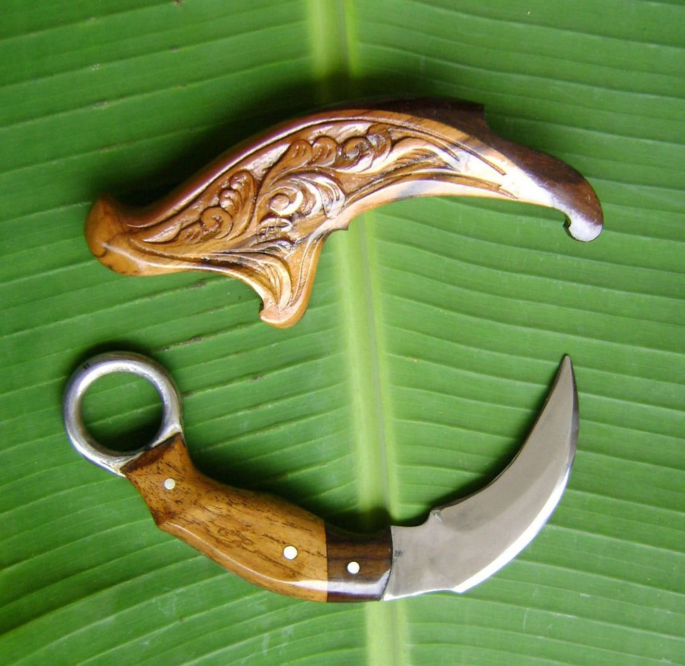 Karambit Is A Genuine Weapon Martial Arts Pencak Silat Originating From Indonesia All That Is In The World Karambit Idea From Karambit Karambit Knife Knife