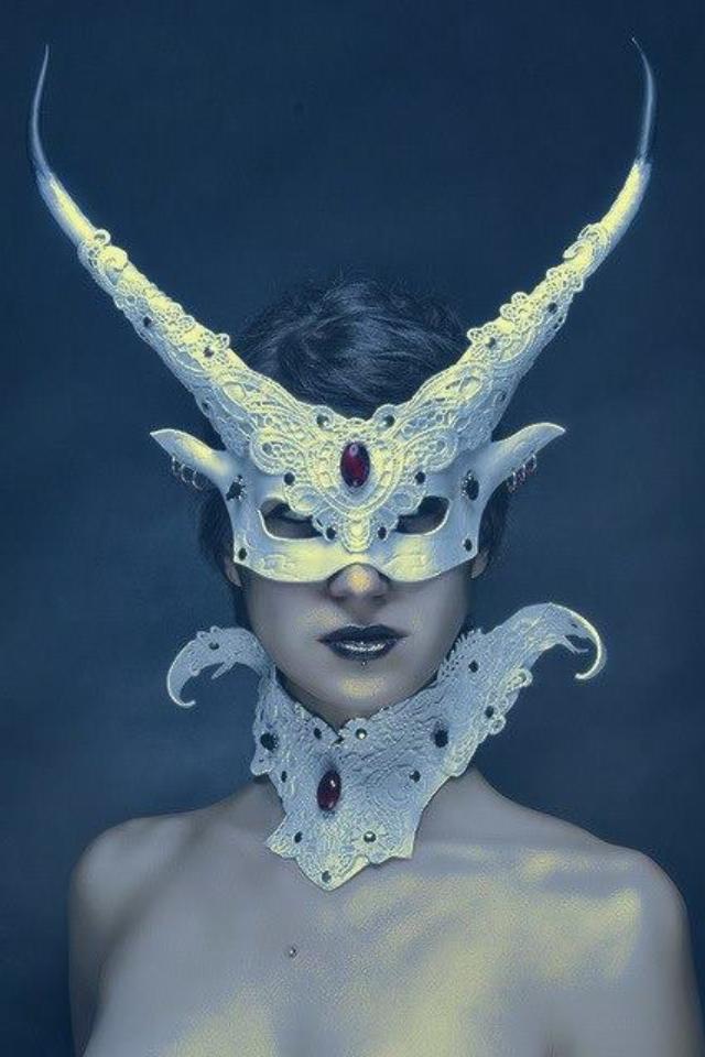 12594ed398c0 Stunning horned mask and collar | Masks | Venetian masks, Carnival ...