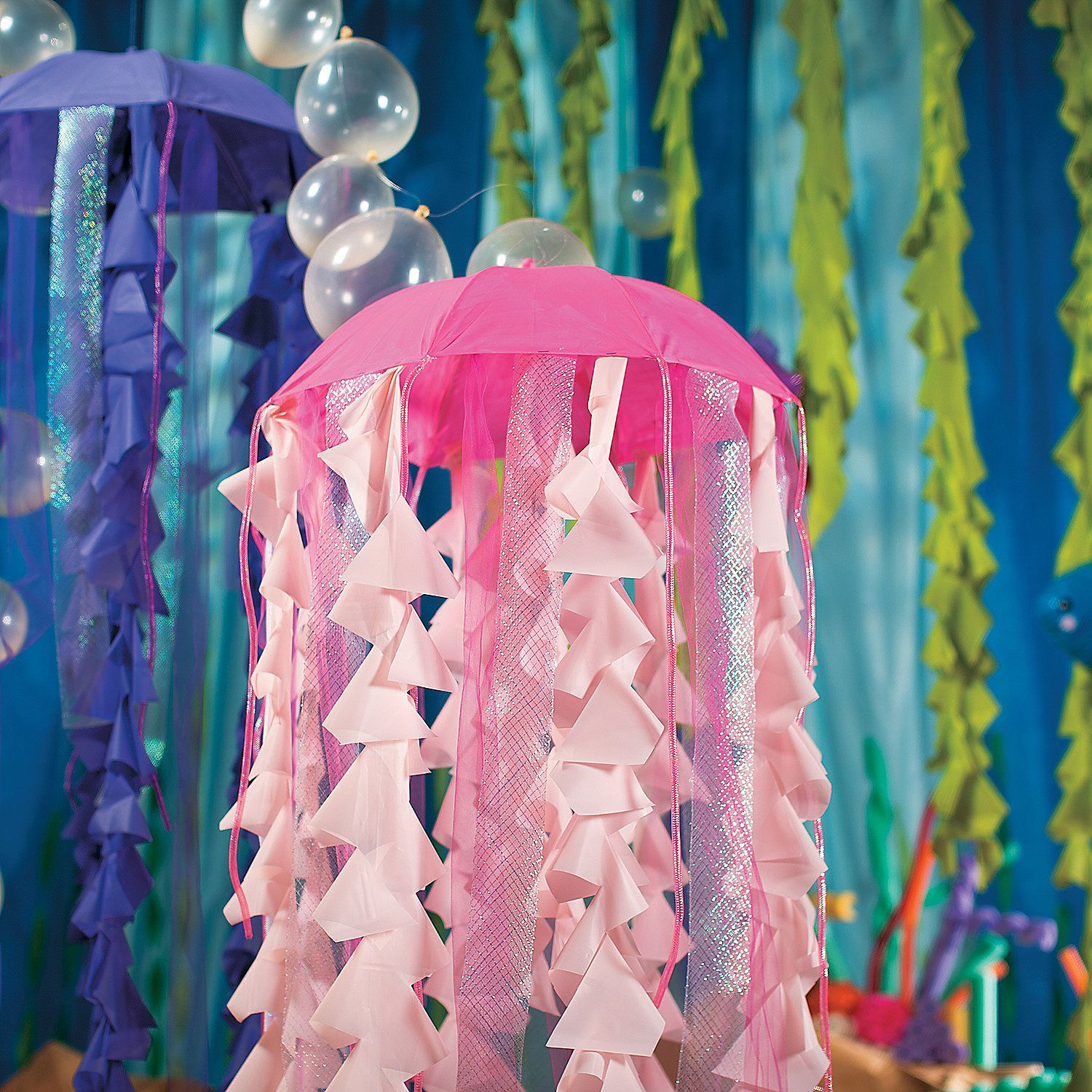 Diy Jellyfish Decorations Your Under The Sea Vbs Will Need Some Sea Life And This Diy Jelly