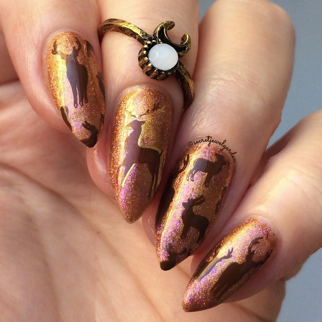 Cool deer #stampingnails, real nice nail shape, wanna try? More ...