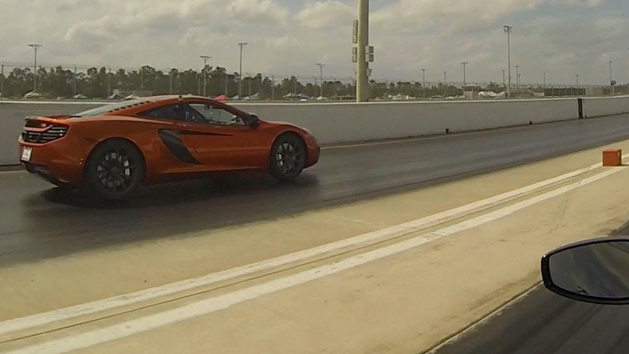Mclaren Mp4 12c Vs Ferrari 458 Italia Drag Racing 1 4 Mile Race There Were Actually 3 Of These Races In A Row 12c Ferrari 458 Italia Ferrari 458 Mclaren Mp4