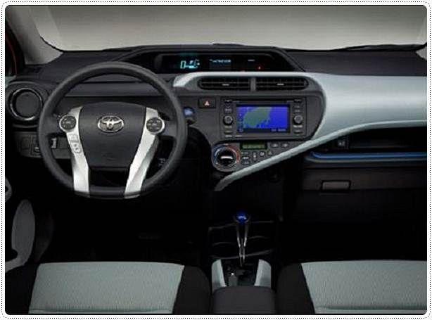 2017 Toyota Prius Interior Review