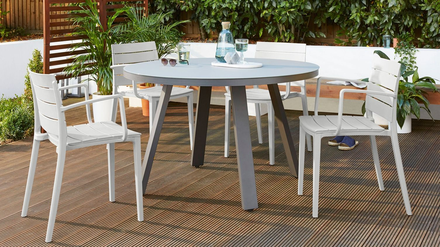 Z Dropped Koko Grey Round 4 Seater Garden Dining Table In 2020