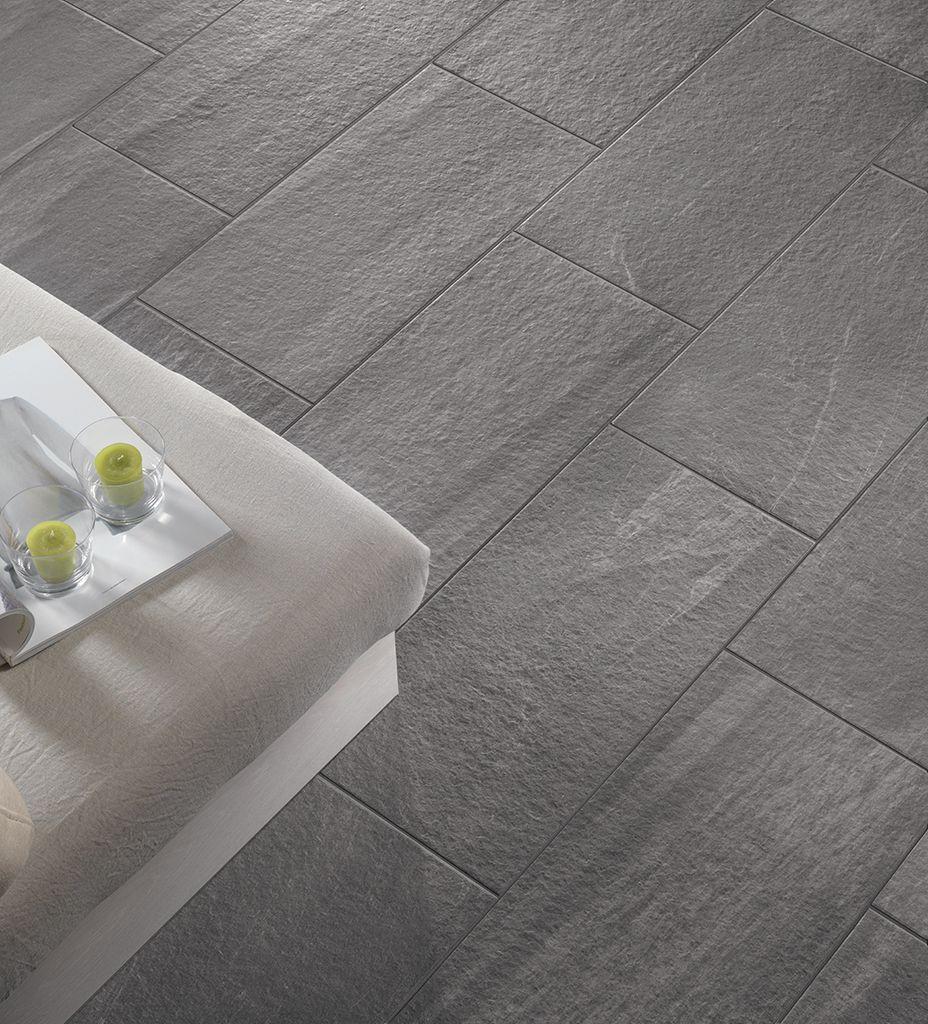 Pavimento in pietra e ceramica idee pavimenti for Piastrelle 80x80