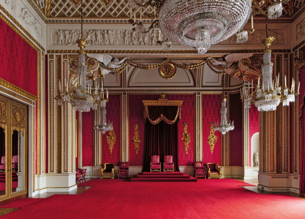 Peek Inside Buckingham Palace S Private And Unseen Rooms Palace Interior Royal Castles Interior Buckingham Palace