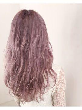 人気ヘアカラー ピンクアッシュ ゆるふわロングウェーブ 髪 カラーリング ヘアカラー ピンク 髪色 ピンク