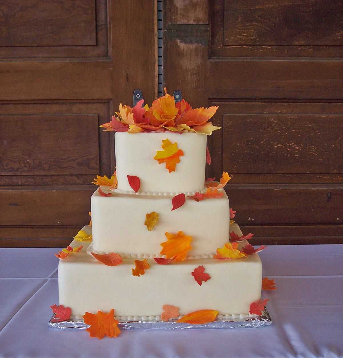 autumn wedding cake Autumn Wedding Inspiration Pinterest