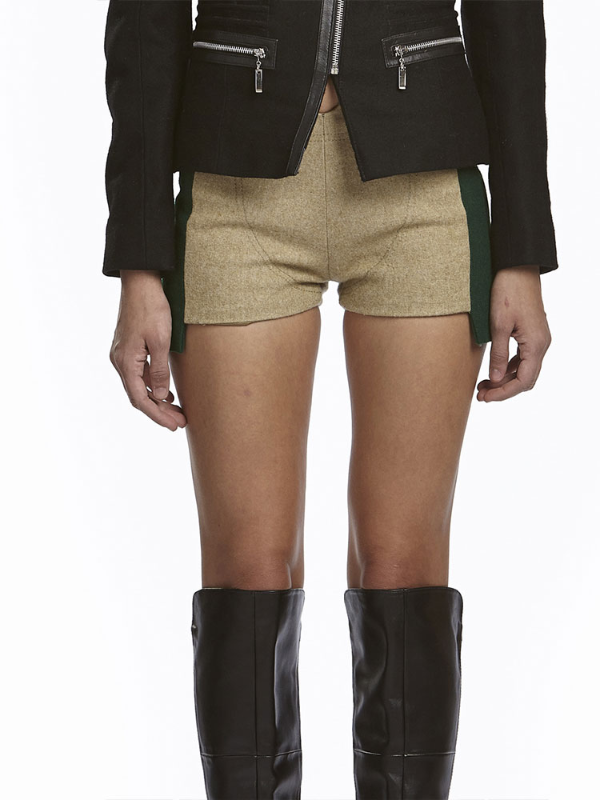 These #sexy #shorts are made from #wool and #tweed. They feature a deep center waistline. Get these in beige and green sides for $110 on #luevo! #fashion #AltafMaaneshia #crowdfunding #womenswear #fashioncrowdfunding #shopping