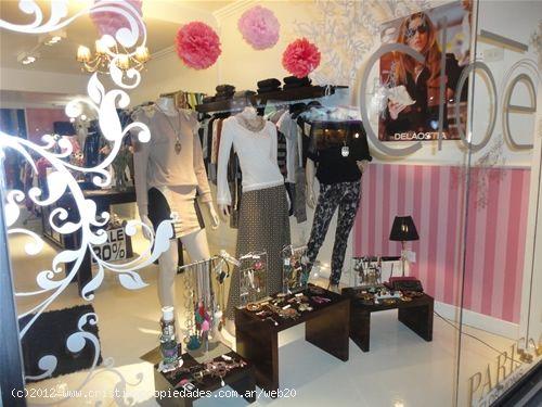 Decoraci n de locales de ropa femenina imagui for Decoracion de interiores locales de ropa