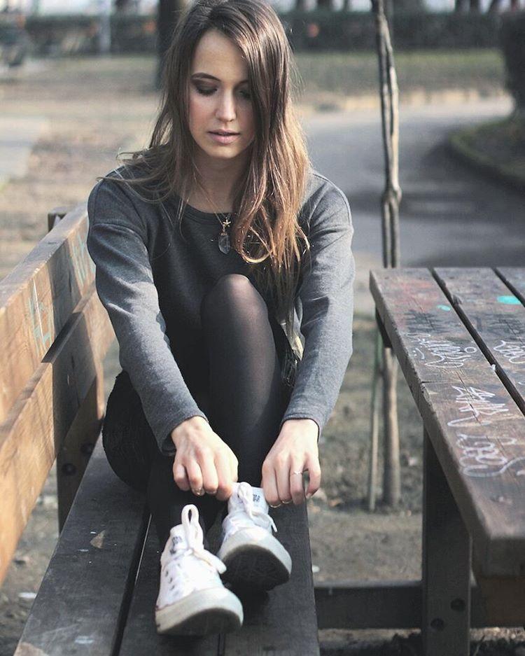 converse conversegirl fashion stockings hosiery ootd leggy ... 58a504635e7