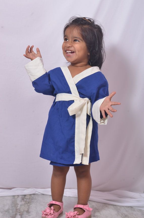 Flower girl Bridesmaid Robes. Bridal Robe. Kimono Robe. Bridal Party Gift Bath Robe.