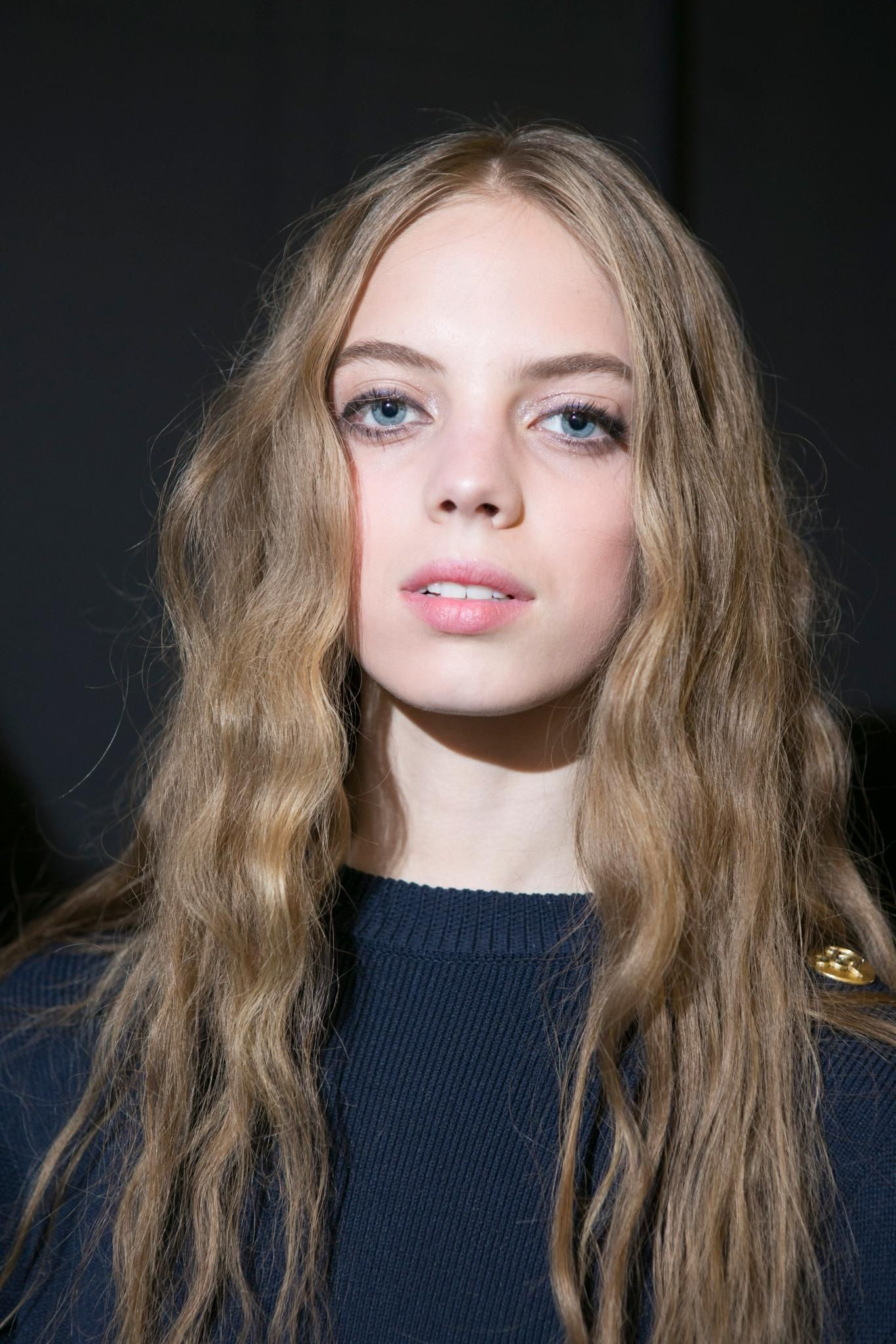 simple long hairstyles that are anything but dull everything
