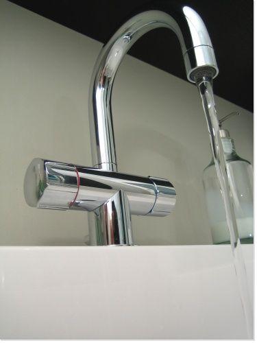 nettoyage et d tartrage de la robinetterie du lavabo de la baignoire de la douche le. Black Bedroom Furniture Sets. Home Design Ideas
