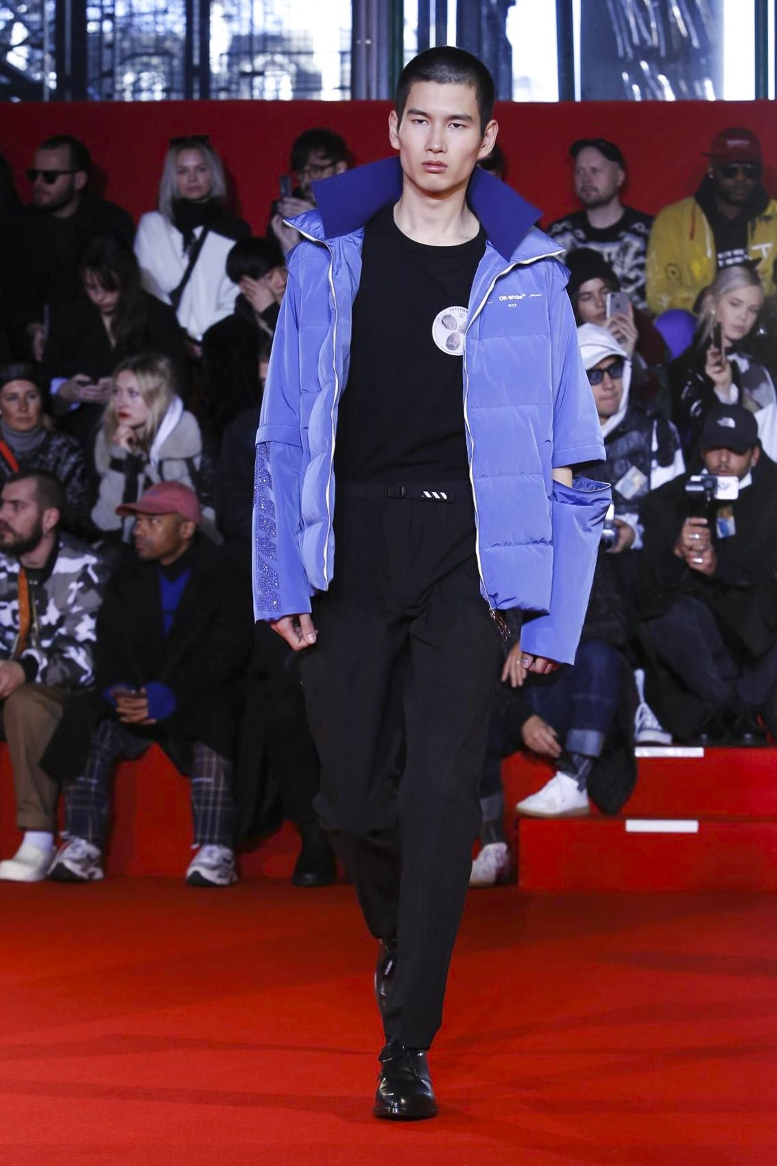 b8fb7369bff50 Off White Menswear Fall Winter 2018 Paris  OffWhite  PFW  parisfashionweek   menswear  runway  fashion