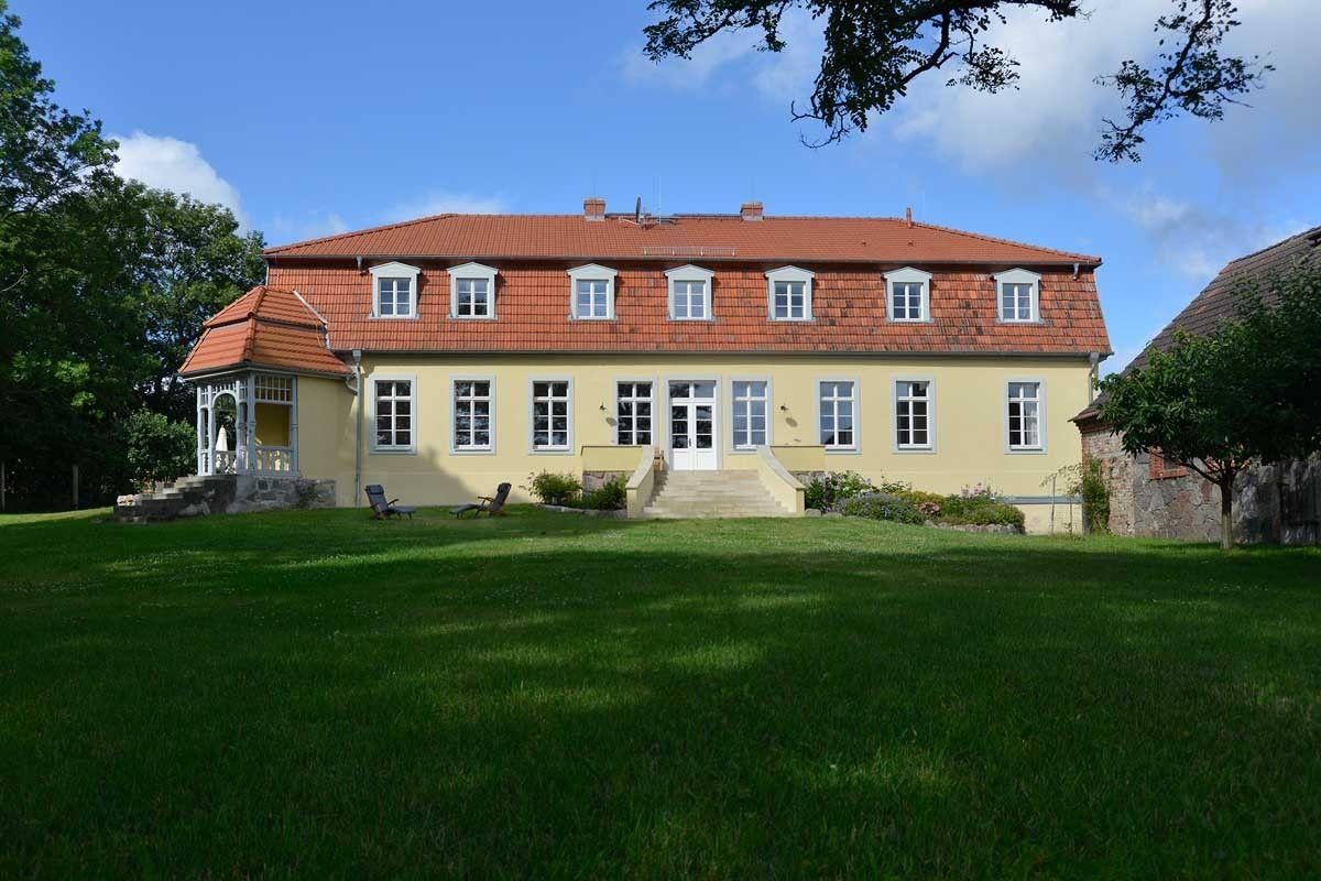Elegantes Ferienhaus in der Uckermärker Seenplatte Haus