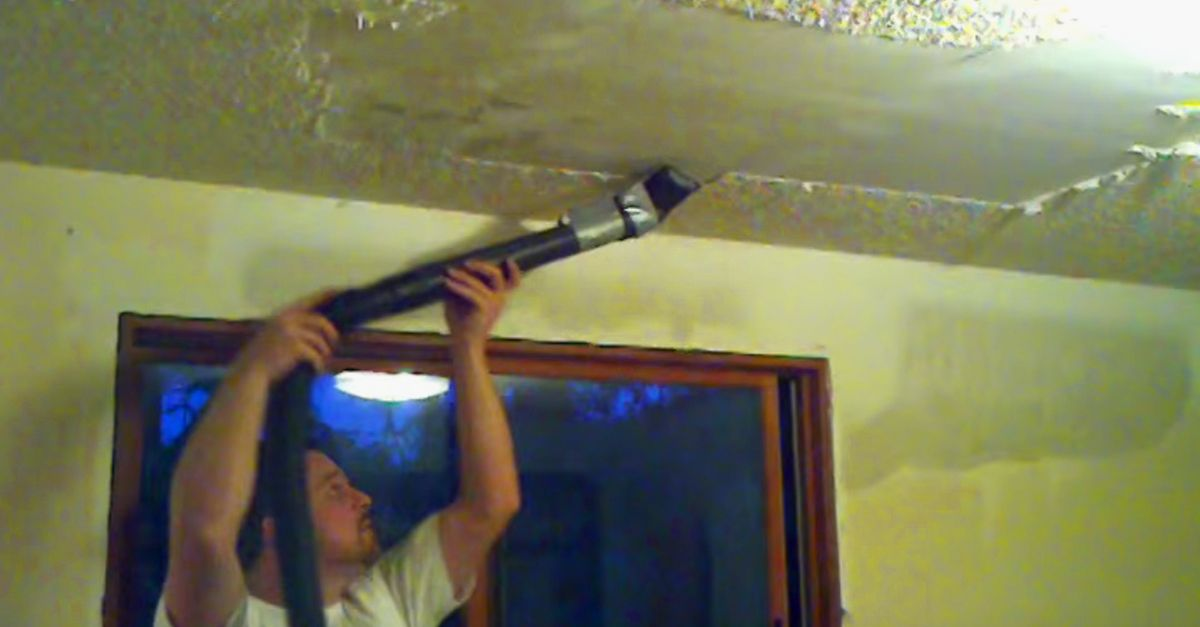 He S Sick Of His Popcorn Ceiling Then He Tapes A Knife To His Vacuum For A Genius Trick Popcorn Ceiling Removing Popcorn Ceiling Remodel Bedroom
