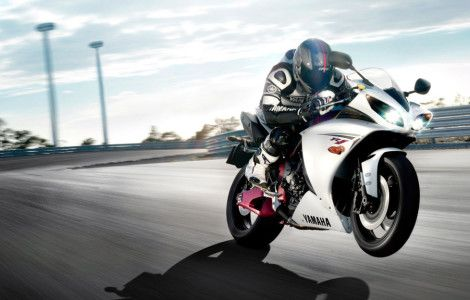 Download Hd Wallpapers 1080p Bikes Photos Motor Jalanan Bmw M6 Yamaha Yzf R1