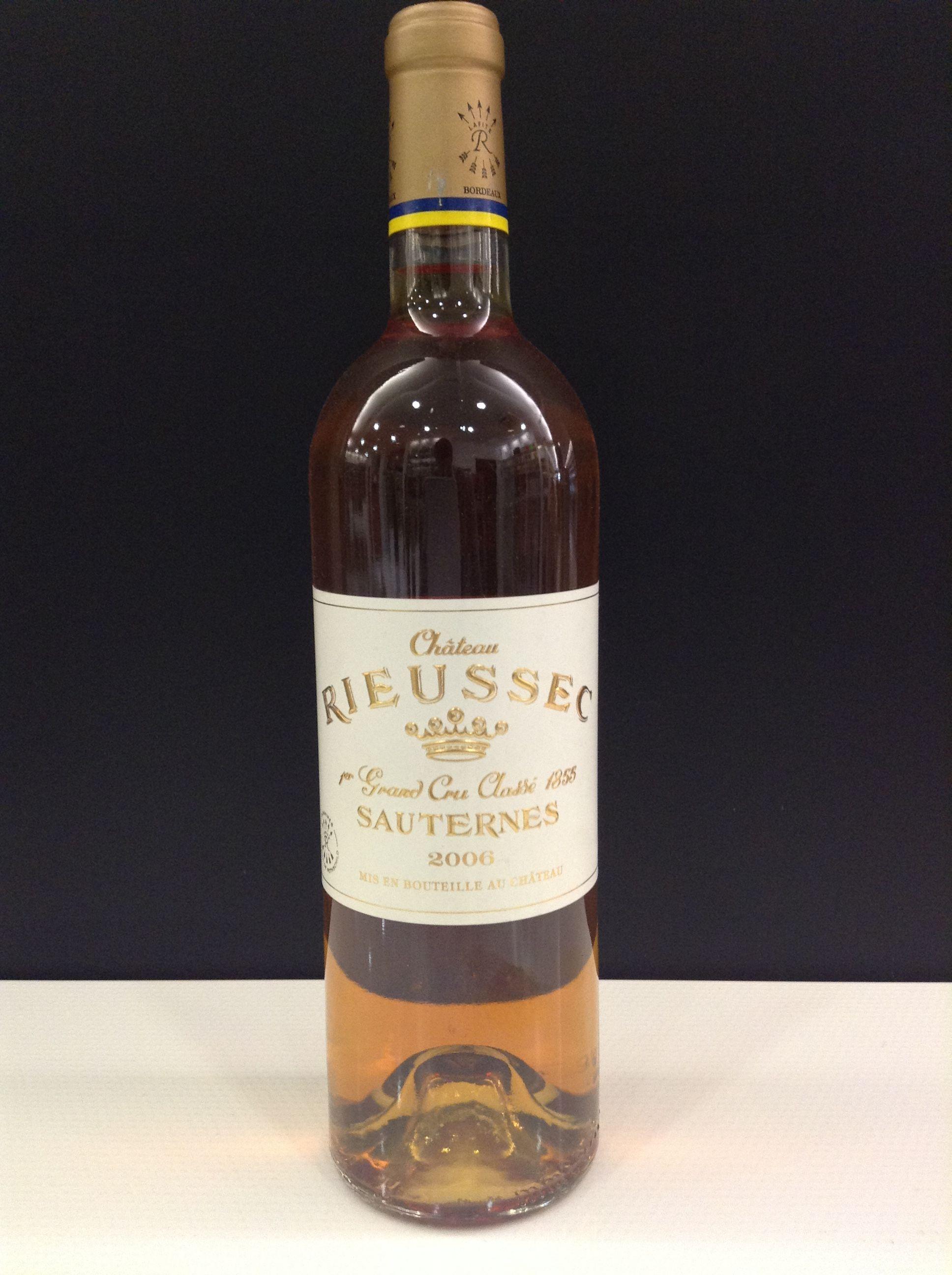 """CHÀTEAU RIEUSSEC 1er GRAND CRU 2006  AOC Sauternes (Burdeos)  """"Generoso y delicioso"""". Uno de los grandes vinos dulces de Sauternes, pura sucrosidad en la boca."""