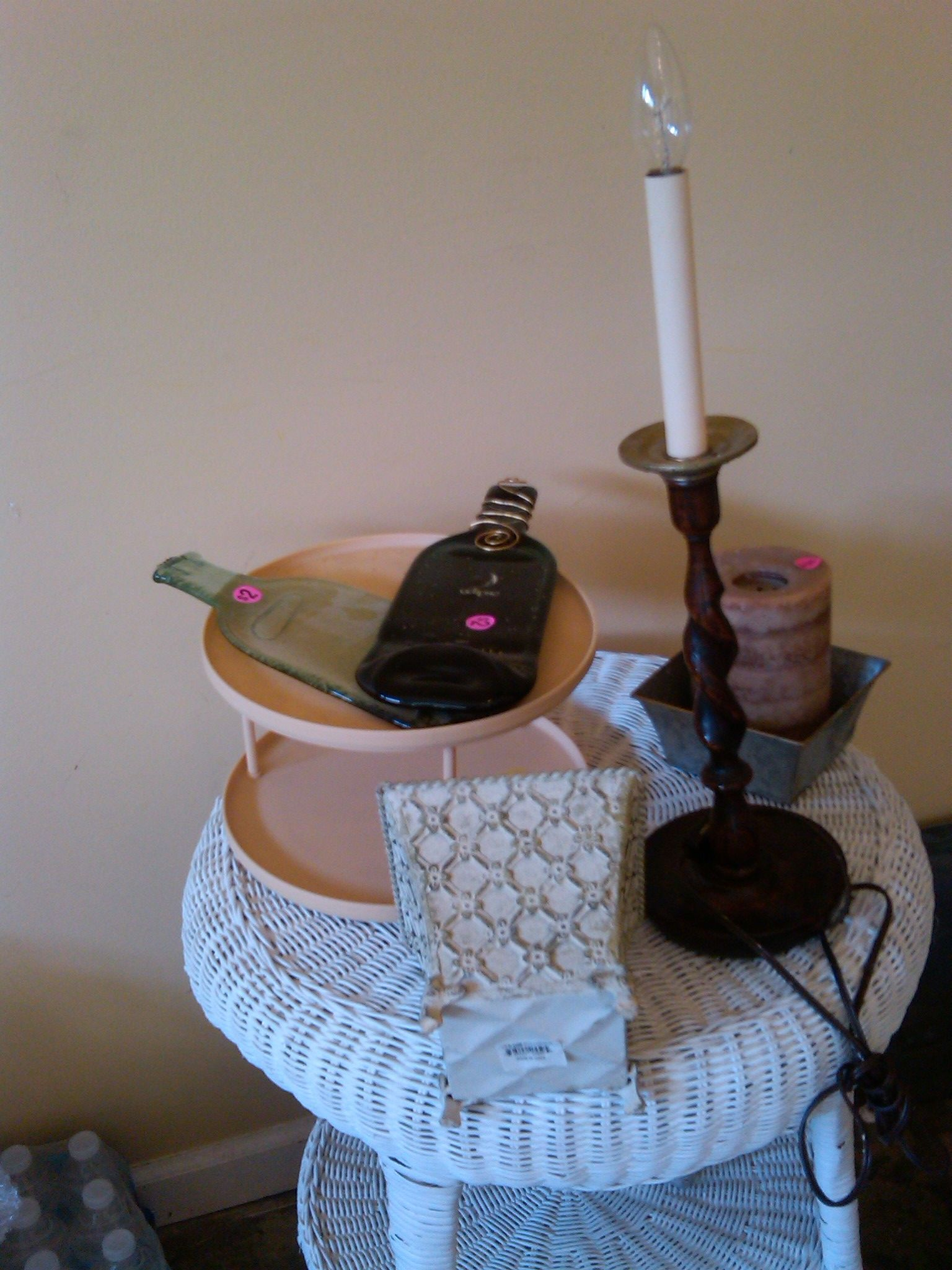 I found the rotating spice rack for a dollar at a yard sale at 7 AM! The two tins (50 cents each) will go on my bathroom wire étagère for my makeup! The fat candle (normally twelve fifty at stores) I found for 50 cents. Mama found the lamp as her treasure for ten dollars. My personal total? $7!