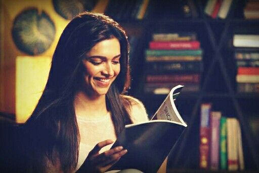 Deepika Padukone Reading Book - Deepika Padukone Age