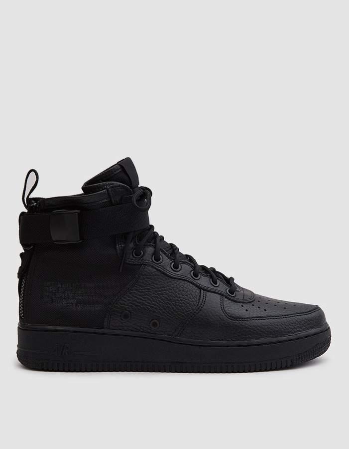 new styles 2f270 3b682 Nike SF Air Force 1 Mid Shoe in Black Black Black