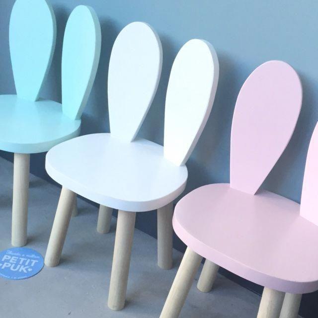 Herman Miller Chair Size C #ComfortableLivingRooms