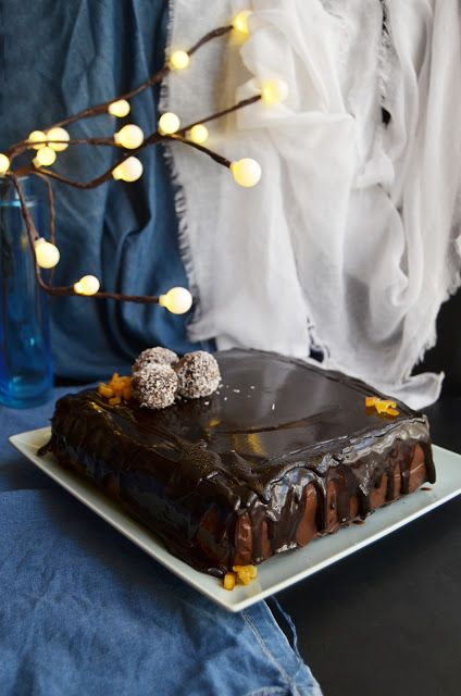 Tort Cu Crema De Ciocolata Si Glazura Oglinda Prajituritorturi