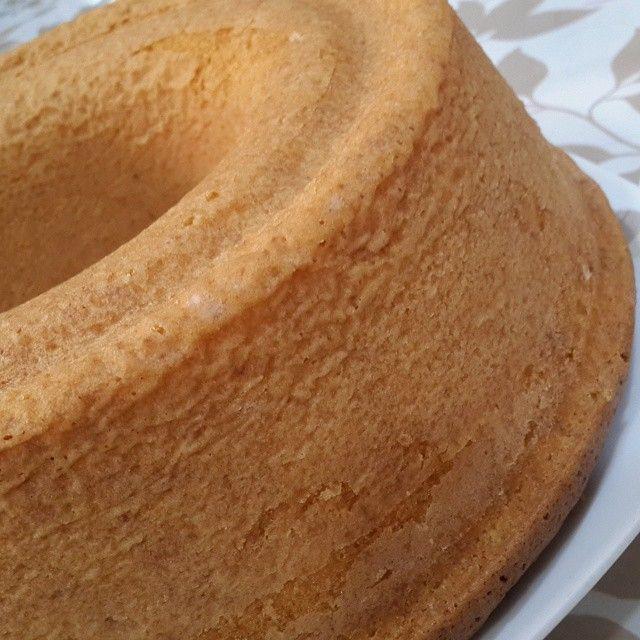 ام مرتضى On Instagram كيكة جوز الهند كوب سكر مع اربع بيضات فانيلا ونقطة خل تخلط جيدا يضاف عليها كوب زيت وتخلط قم كوب حليب دافي Food Cooking Recipes