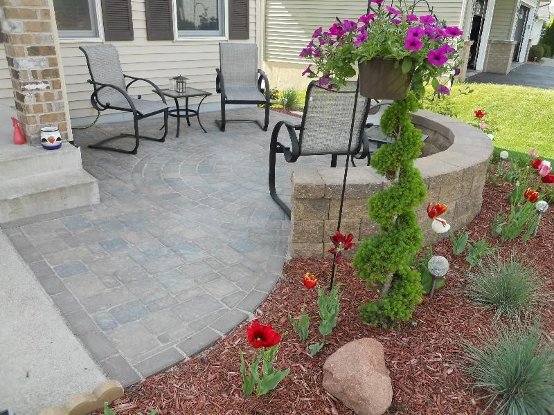 yard design ideas - Front Patio! I love the idea of a low ...
