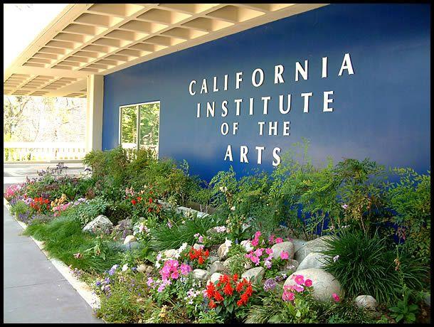 The California Institute of the Arts - La creación de danzas y representaciones in situ #cursos #arte #courses #arts
