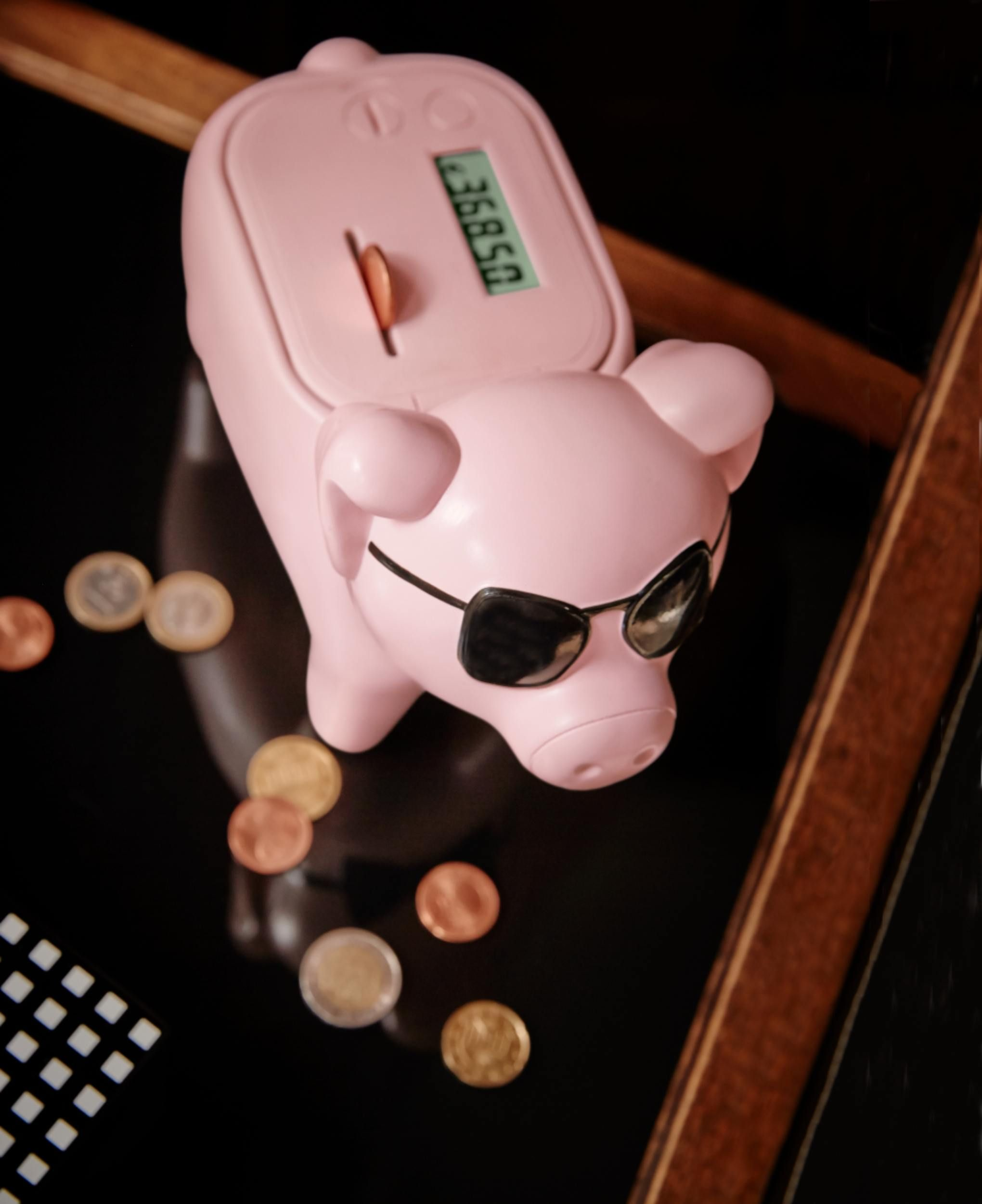 Designerska skarbonka: http://bit.ly/1wHBwNi #tchibo #tchibopolska #skarbonka #świnka #pig #xmas #prezentdlamężczyzny #xmas #gift #fun