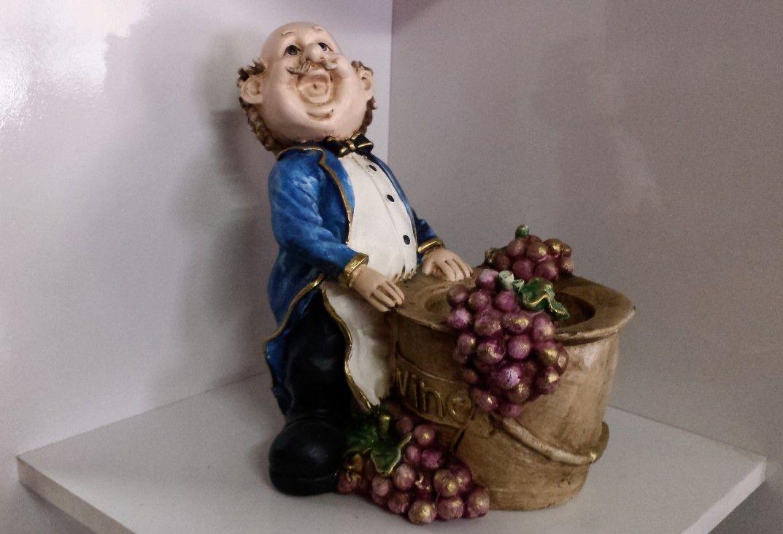 Enfeite De Gesso ~ Escultura em gesso, pintadaà m u00e3o Serve de porta garrafas Ideal para ser usada como enfeite de