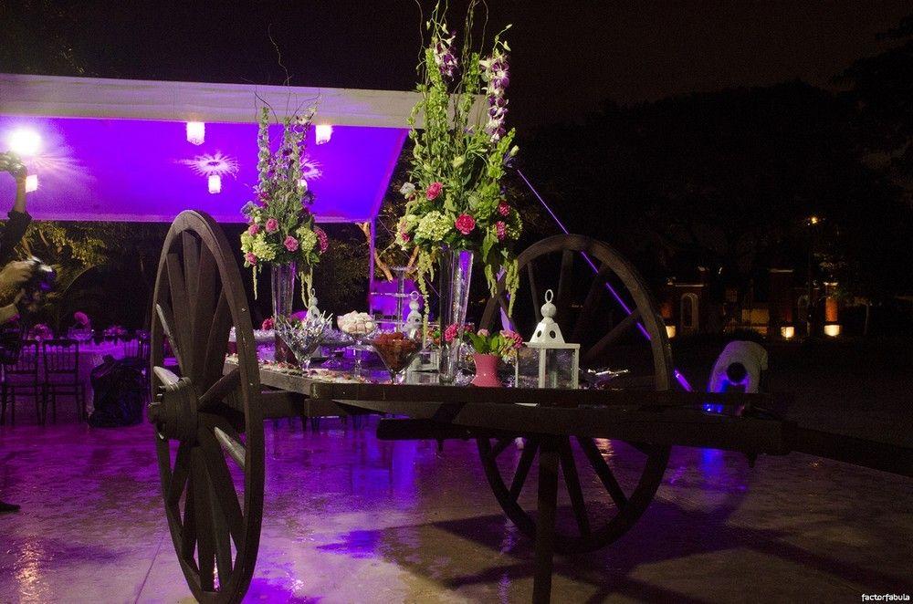 Mesa de dulce estilo rustico y colorido.Boda organizada por Six Sens en la  Hacienda San Diego Tixacal Yucatán.