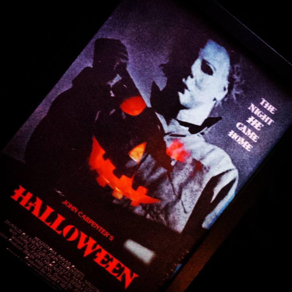This might me be my new favourite thing. #Halloween #JohnCarpentersHalloween #MoviePoster #FilmPoster #Horror #HorrorMovie #SlasherMovie #HorrorCollection #MichaelMyers #SlasherFilm #HorrorFilm #Instahorror #HorrorPrint by niallfirststep