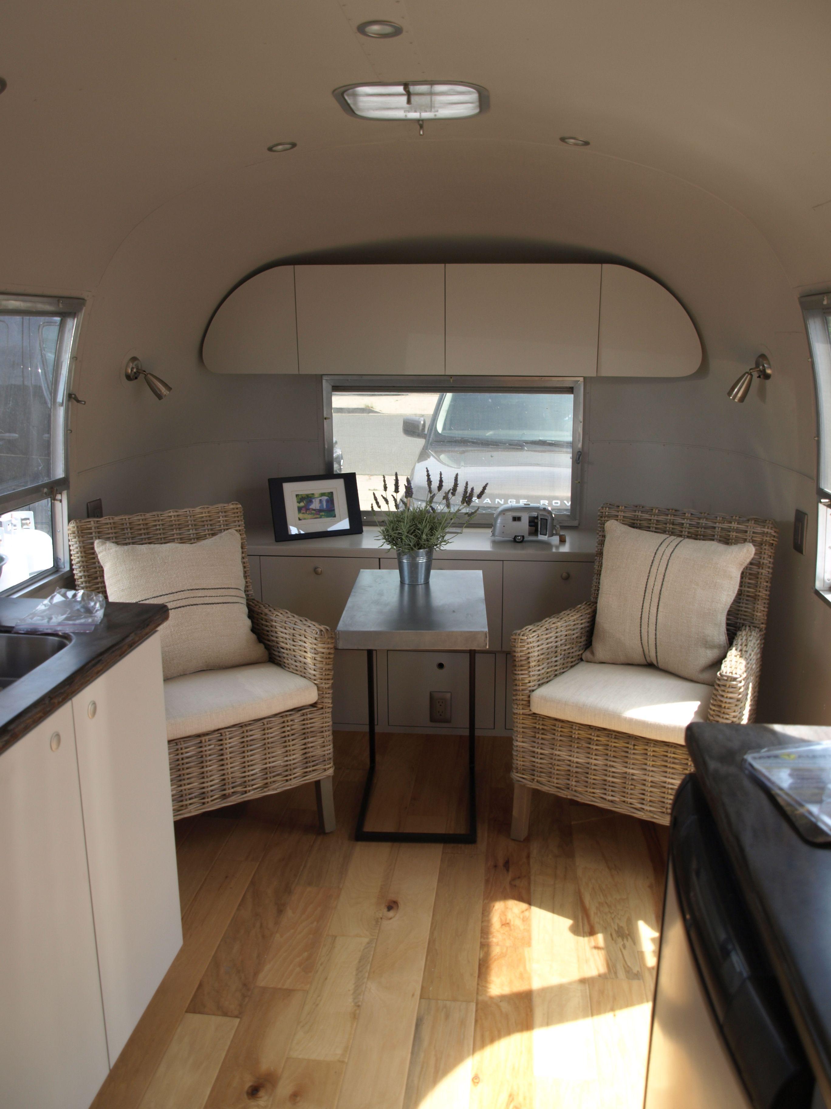 Rita Remodeled Interior Interieur Pour Camping Aux Vendanges Interieur Airstream Interieur Camping Car