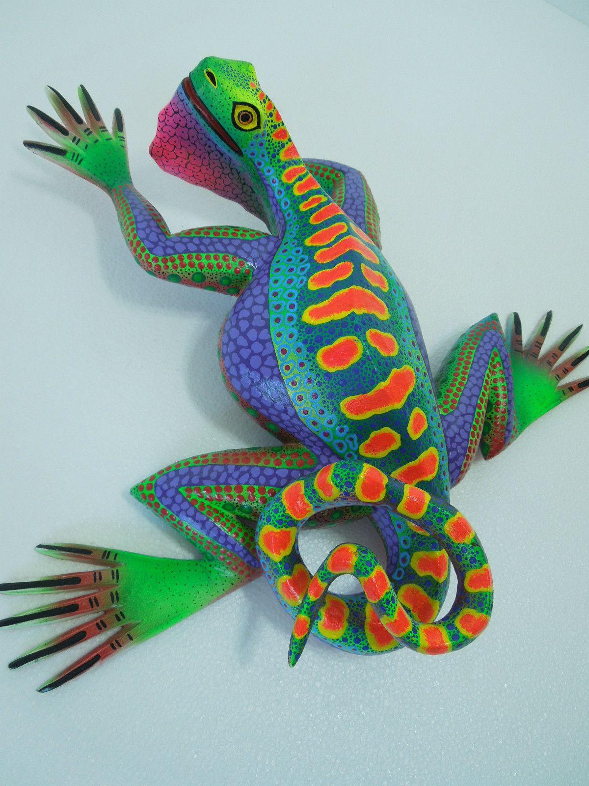Special iguana lizard oaxacan wood carving alebrije