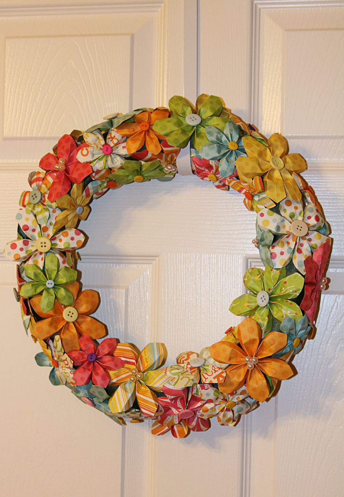 how to make a wreath out of paper