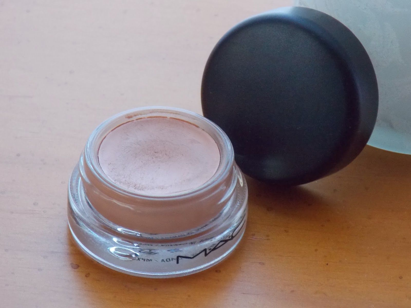 Mac Pro Longwear Paint Pot In Layin Low Wear As A Base For Eye