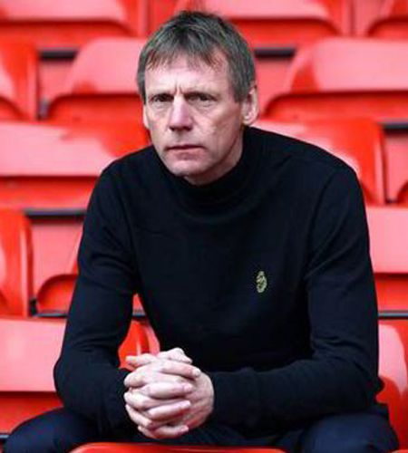 Booking Agent For Stuart Pearce Mbe After Dinner Speaker Contraband Events