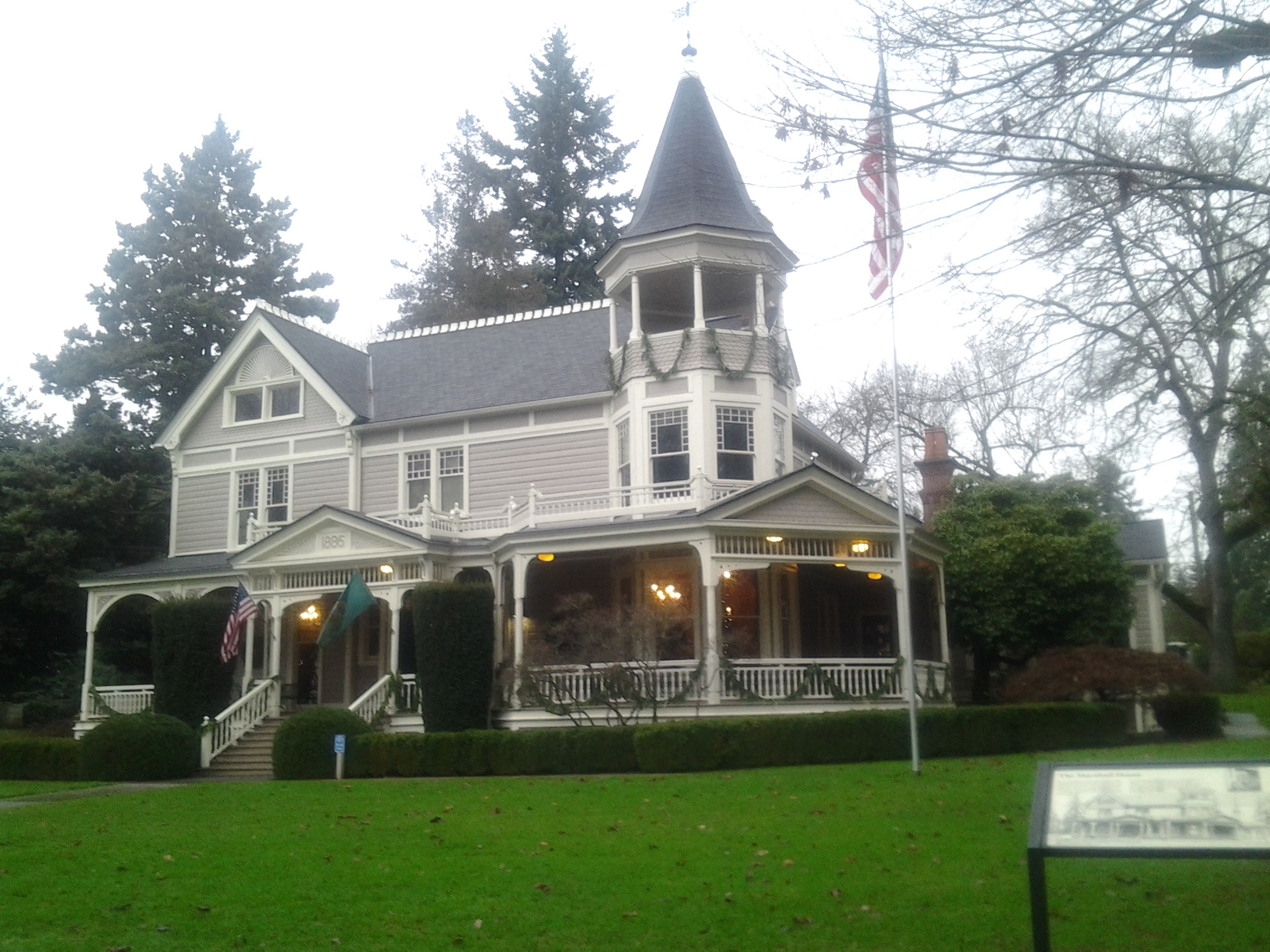 Beautiful Victorian Home On Officers Row In Vancouver Wa