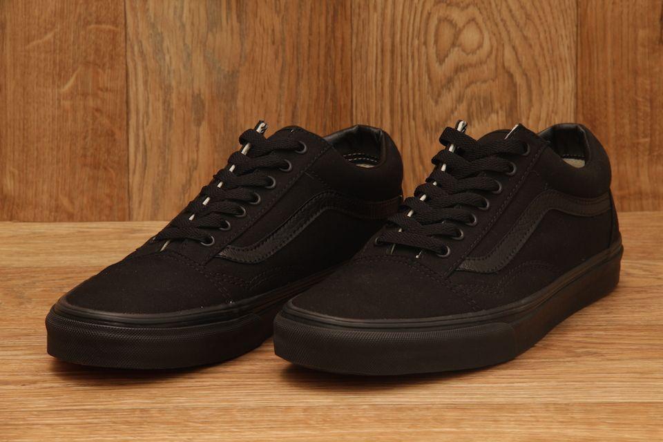 vans old skool full black harga