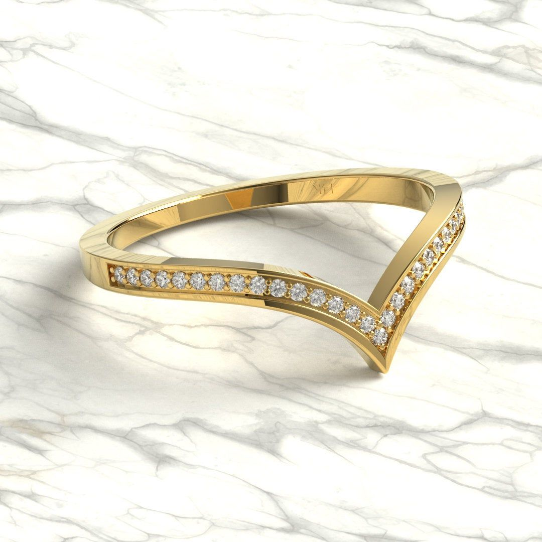 Curved Diamond Wedding Ring / 14k Gold Diamond Wedding