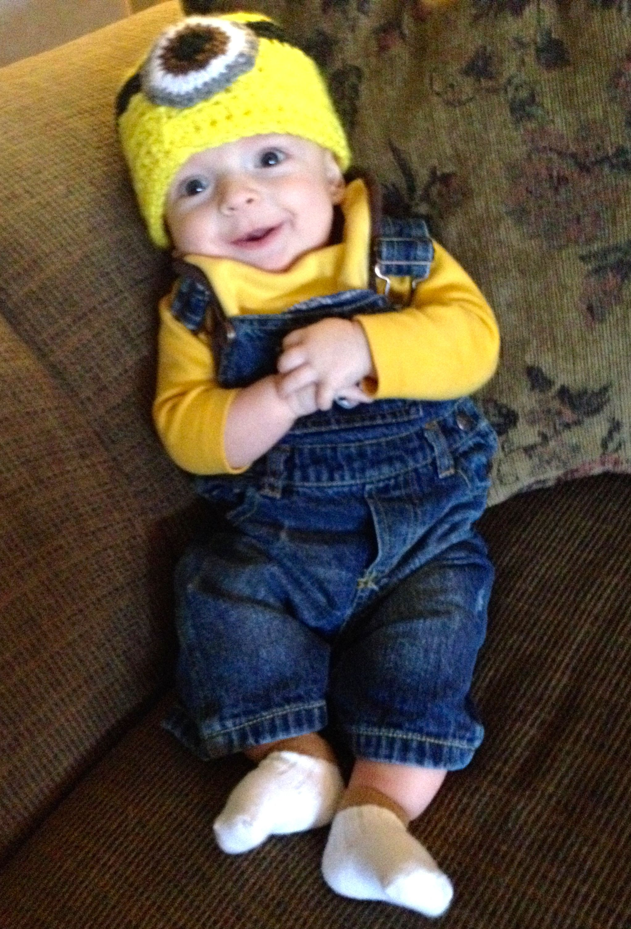despicable me baby minion halloween costume | b-day party ideas